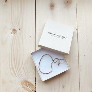 BANANA REPUBLIC Gold Adjustable Bracelet 💕💕